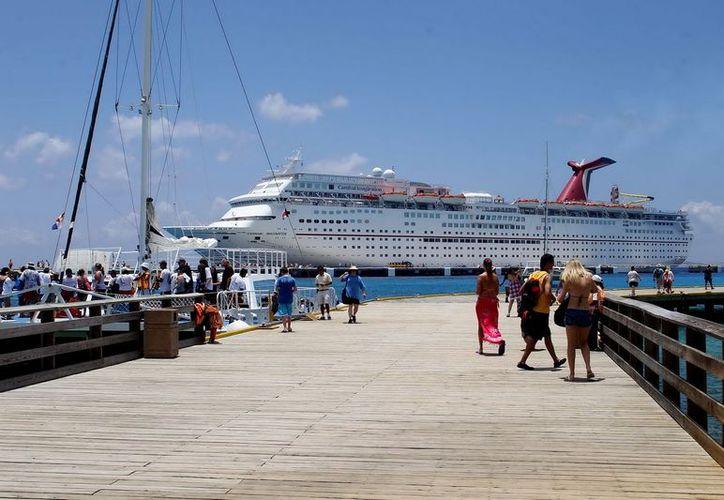 Con el número de cruceros que llegarán a la isla del 3 al 8 de diciembre se prevé la visita de casi 70 mil pasajeros. (Cortesía/SIPSE)