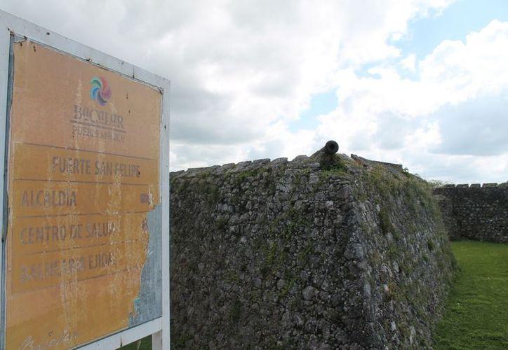 """El director del museo reconoció que la falta de recursos económicos ha sido un limitante para """"levantar"""" el sitio. (Juan Carlos Gómez/SIPSE)"""