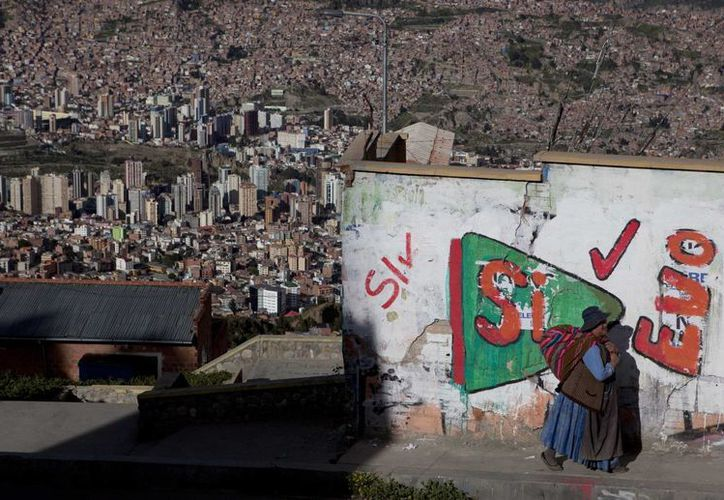 Más de seis millones de bolivianos están llamados a votar en el referéndum: la participación es obligatoria. (AP)