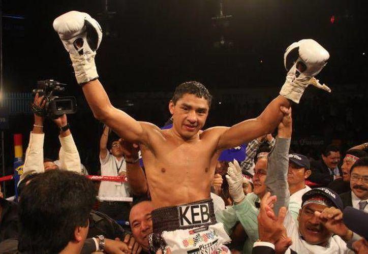 Gilberto Keb(foto), boxeador yucateco campeón del mundo, es amplio favorito para acceder al Salón de la Fama del Deporte Yucateco. (Archivo/SIPSE)