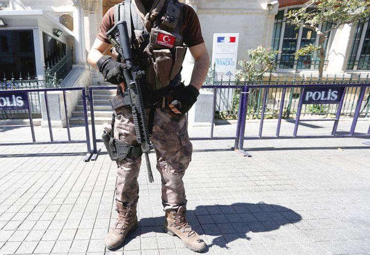 El departamento ha advertido a los ciudadanos estadounidenses que se encuentran en Estambul . (RT)