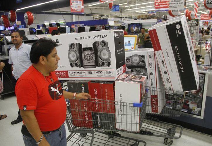 Las tiendas departamentales y de conveniencia alistan descuentos que en promedio serán del  10 al 15%. (Redacción/SIPSE)