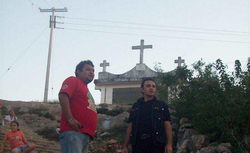 Jorge Moreno recorrió Maxcanú en busca de casos paranormales. (SIPSE)