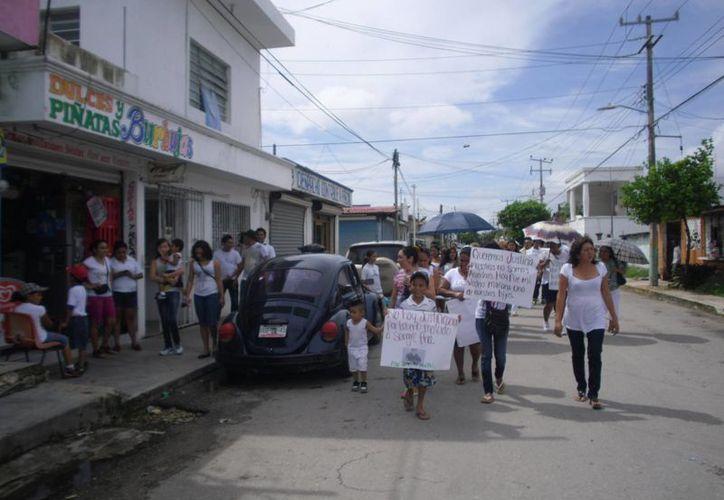 Familiares del occiso piden justicia por el homicidio de Luis N a manos de un policía preventivo. (Redacción/SIPSE)