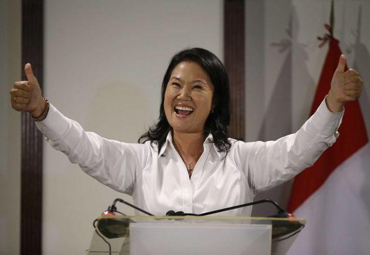 Fujimori encabeza las preferencias electorales en el interior de Perú, pero su contrincante encabeza las encuestas en Lima, la capital. (AP)