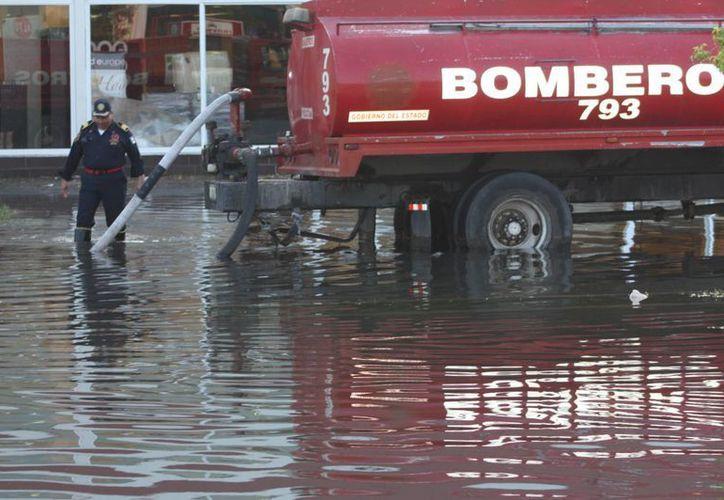 La SSP indicó que en Mérida una de la zonas más afectadas por inundaciones es la de plaza Las Américas. (Cortesía)