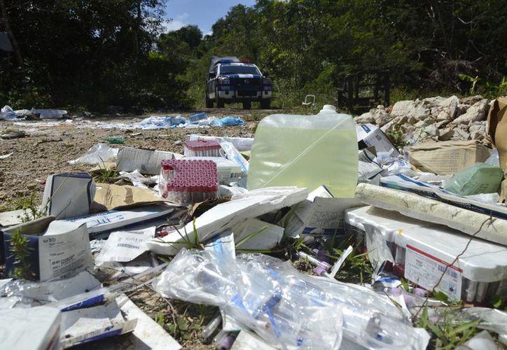 La falta del debido control está provocando que medicamentos sean tirados de manera ilegal, generando un riesgo de salud. (Harold Alcocer/SIPSE)