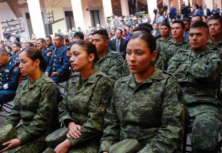 La estatura ha sido uno de los principales obstáculos a que se enfrentan las yucatecas que desean entrar al Ejército. (SIPSE)