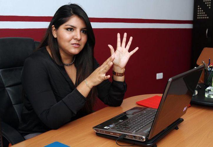 De la mano de asesores, el apoyo de sus padres y un equipo de trabajo,El Chambitas, sale adelante con Sandra Ruíz. (Milenio Novedades)