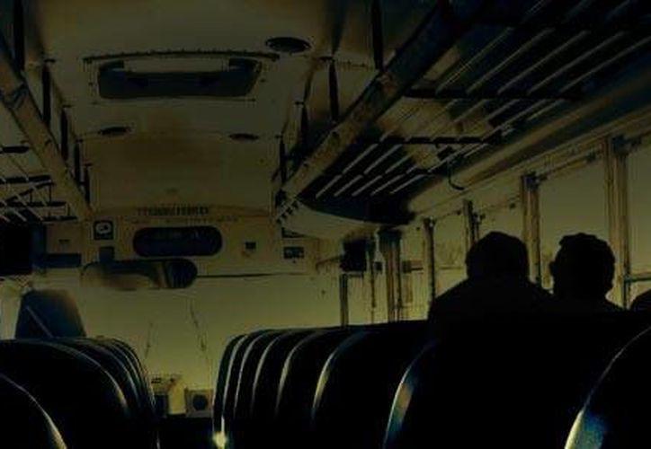 Una mujer cuenta la escalofriante historia de otra mujer que viajó con ella en un autobús aunque estaba muerta. (Foto de contexto tomada de elfonografo.mx)