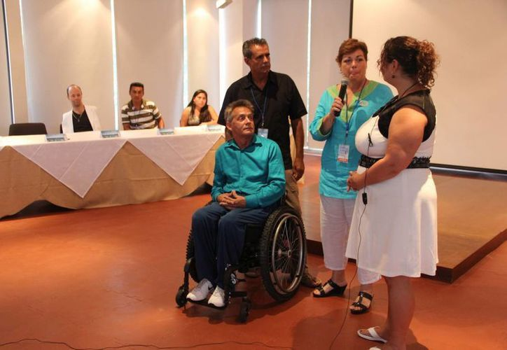 En rueda de prensa se informó que las pláticas que ofrecerá Gabriel Nájera se llevarán a cabo hoy y mañana, en inglés y español. (Rossy López/SIPSE)
