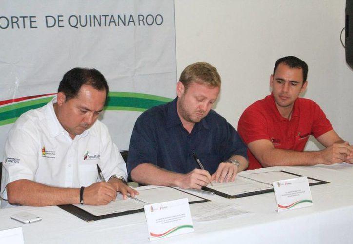 En las instalaciones de la rectoría del deporte se firmó el convenio. (Redacción/SIPSE)