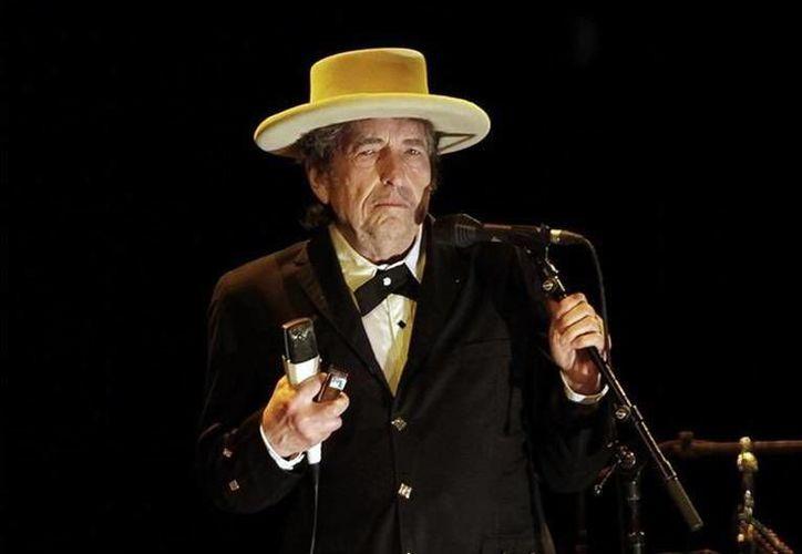 En días pasados, Bob Dylan dio a conocer que no acudirá a buscar el Premio Nobel, debido a otros compromisos.(EFE)