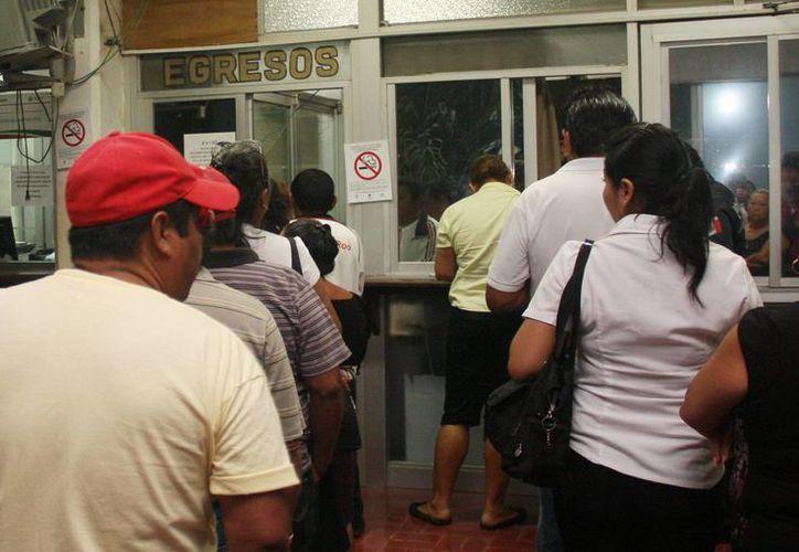 Los trabajadores recibieron el pago que se cubre en la primera quincena de enero. (Cortesía/SIPSE)