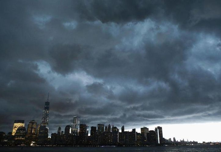 La costa oriental de EU, donde se ubica la ciudad de Nueva York (en la imagen) está bajo amenaza de una gran inundación en las próximas décadas por el aumento del nivel del mar. (Archivo/AP)
