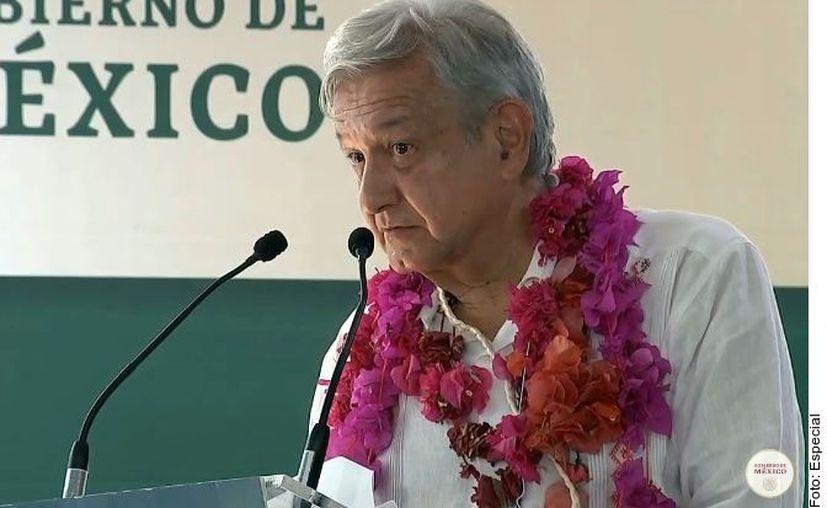 El Mandatario federal reiteró que su Gobierno está compitiendo con la delincuencia. (Foto: Reforma)