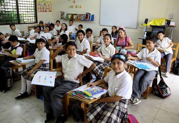 Los salones de clases de las escuelas de Ciudad Caucel tienen hasta 50 alumnos, cuando lo ideal son 30. (Milenio Novedades)