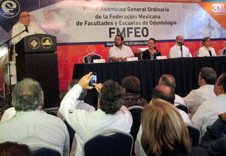 Imagen de la apertura de la asamblea general ordinaria de la Fmfeo en Mérida. (Milenio Novedades)