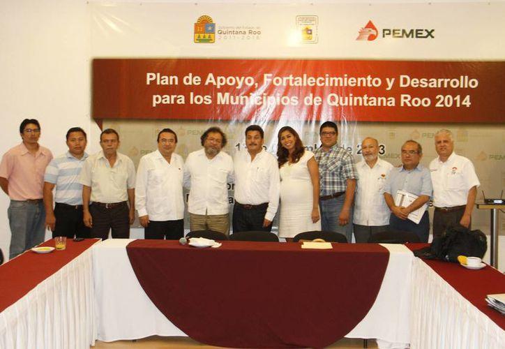 Comisión de Asuntos Municipales ofreció el plan de apoyo a los representantes de los municipios. (Tomás Álvarez/SIPSE)