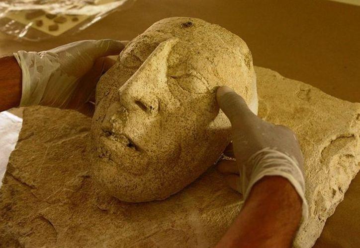 Una escultura con el rostro del gobernante maya, llamado también Pakal El Grande fue hallada en Palenque, Chiapas. (INAH)