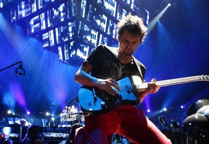 Un dron cayó durante un concierto de Muse en Londres. Se dice que hubo algunos heridos, pero que el incidente no fue grave  grave. (inperdibles.com)