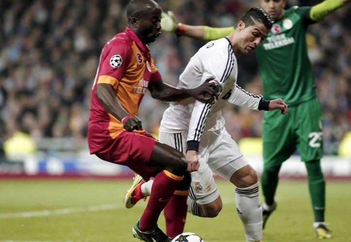 Luego del 3-0 en el Santiago Bernabéu, el siguiente partido ante el Galatasaray parece de trámite para el Real Madrid. (Notimex)