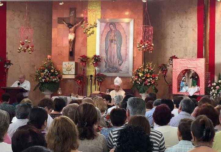"""""""El Papa Francisco ha proclamado 2016 como Año de la Misericordia, reconciliación y el perdón, por eso este año debe ser de bendiciones"""", aseguró el arzobispo Jorge Patrón Wong, en la Capilla de Guadalupe. (Milenio Novedades)"""