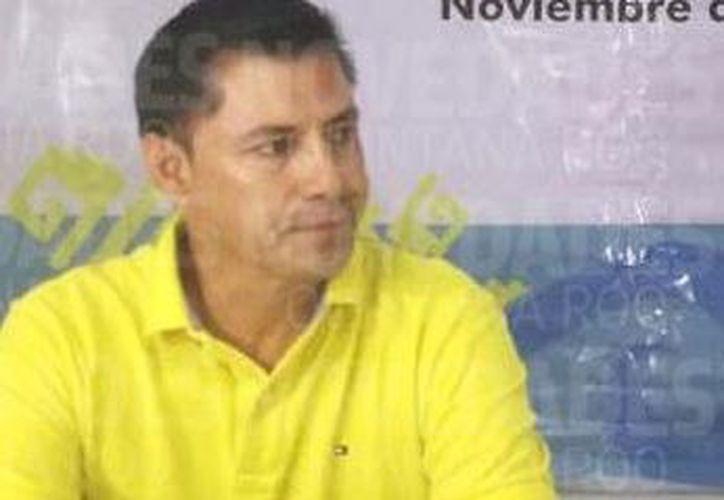 Las autoridades que ofrecieron la disculpa pública en las instalaciones de la Cdheqroo. (Redacción)