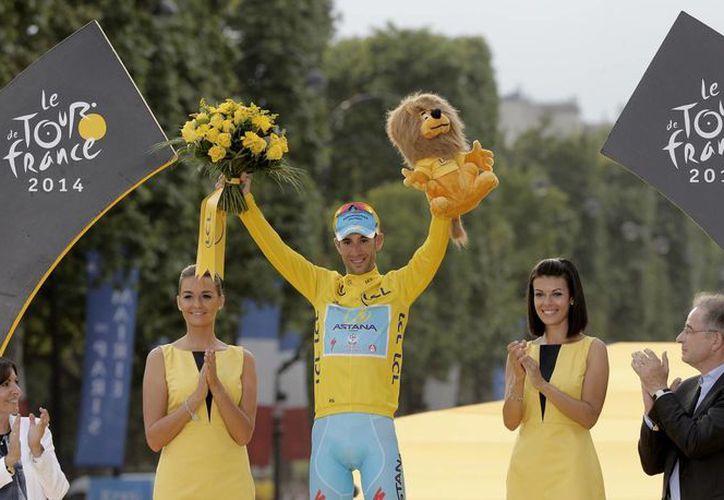 Nibali es el primer italiano que gana el Tour de Francia en 16 años. (AP)