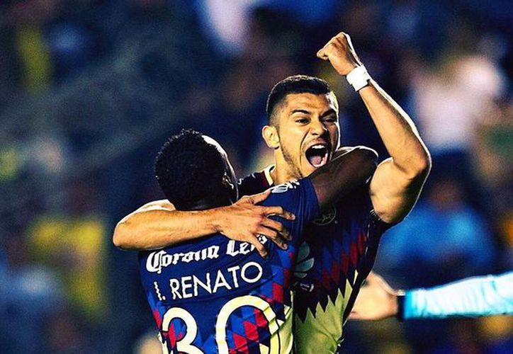 Su debut en primera fue en el estadio Azteca ante su actual club, América. (Foto: Henry Martín/Facebook)