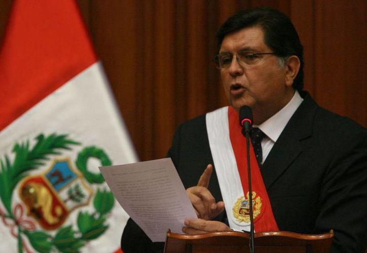 El expresidente Alan García está en el 'ojo del huracán' por actos de corrupción cometidos en el período 2006-2011. (rnw.nl)