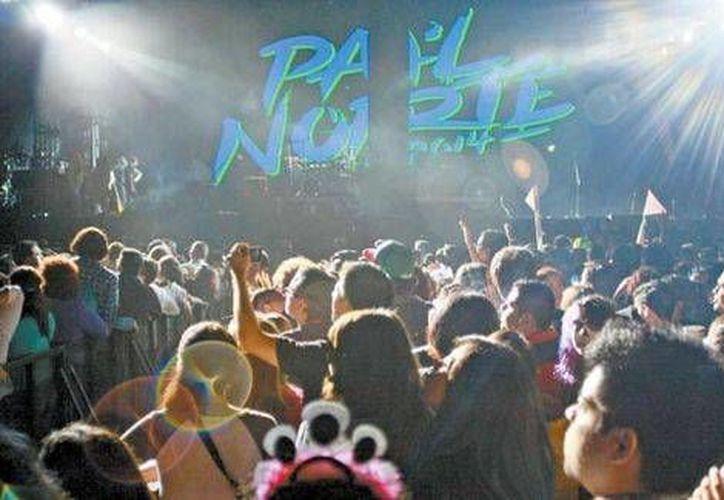 El 'Pa'l Norte' Fest, a donde se han dado cita al menos 40 mil personas, también incluyó a Technicolor Fabrics y Allison. (Milenio)