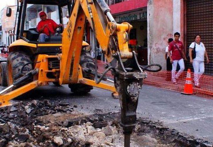 El apoyo de 45 millones de pesos que se invertirán en reconstrucción de calles, es adicional a los 195 millones de pesos invertidos durante 2013. (Milenio Novedades)