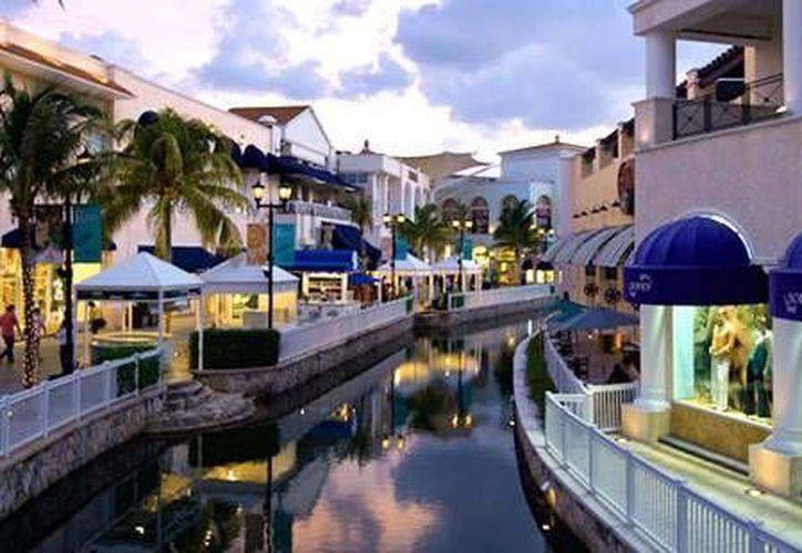 La plaza La Isla fue la primera en firmar el contrato para tener internet gratuito a cambio de publicidad. (Contexto/Internet)