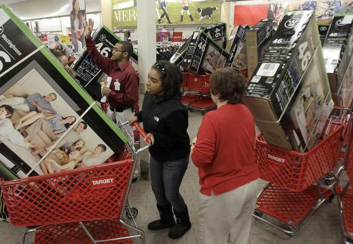Por tercer año consecutivo, la temporada de compras navideñas en Estados Unidos comenzará el Día de Acción de Gracias. (Archivo/AP)