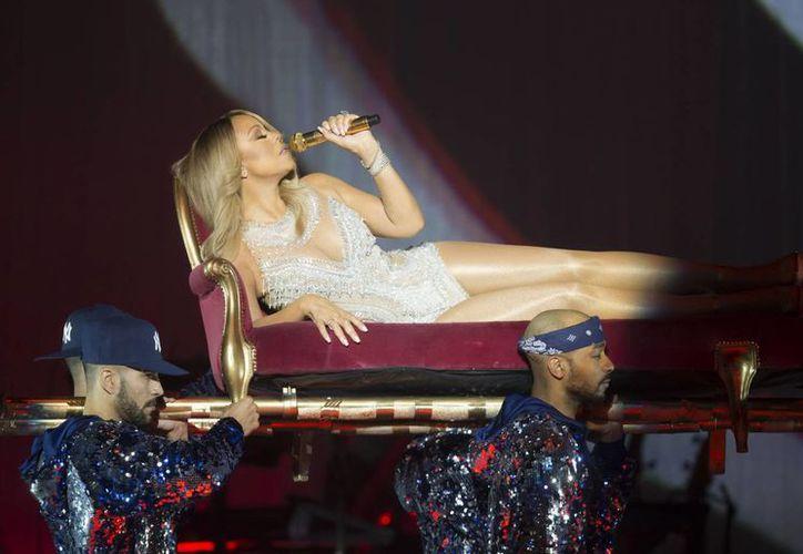 Mariah Carey  recibió la recomendación de suspender su espectáculo para proteger a su personal y a sus fans. (Agencias)
