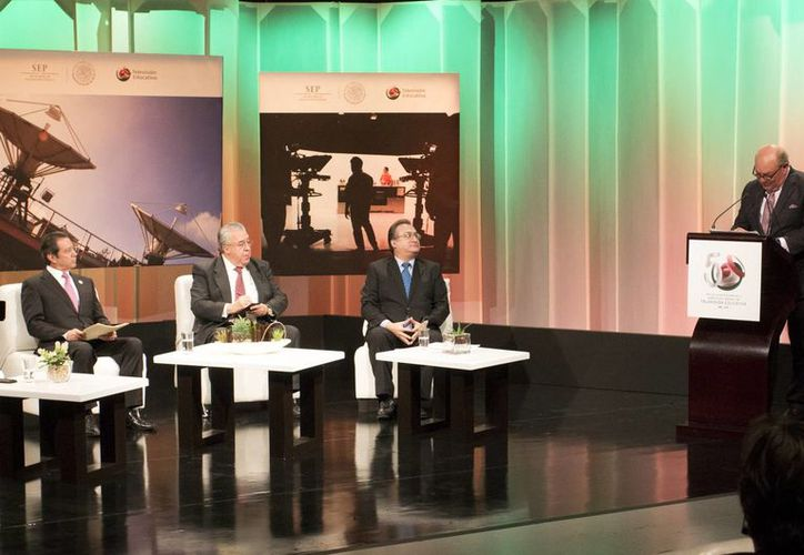 El director general de Televisión Educativa, Gustavo Lomelí Cornejo, durante la celebración de los 50 años de las instalaciones resaltó que la institución impulsa nuevos modelos educativos y que se fortalecerá la operación de más de 18 mil telesecundarias. (Notimex)