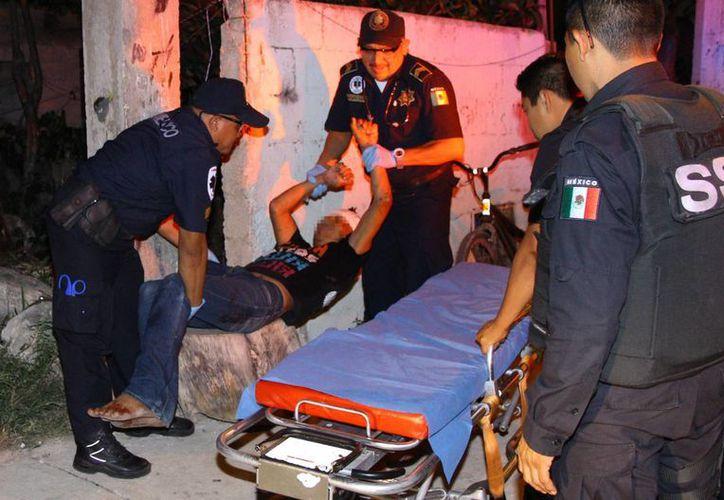Los agresores tundieron a tubazos a José y le provocaron una seria herida a la altura de la nuca de más de cuatro centímetros. (Milenio Novedades)