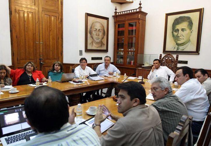 La reunión se efectuó en el Palacio de Gobierno. (Milenio Novedades)