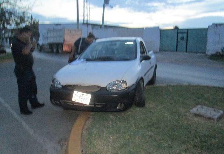 Elementos de la PMP aseguraron el vehículo y lo remitieron al corralón municipal. (Archivo/SIPSE)