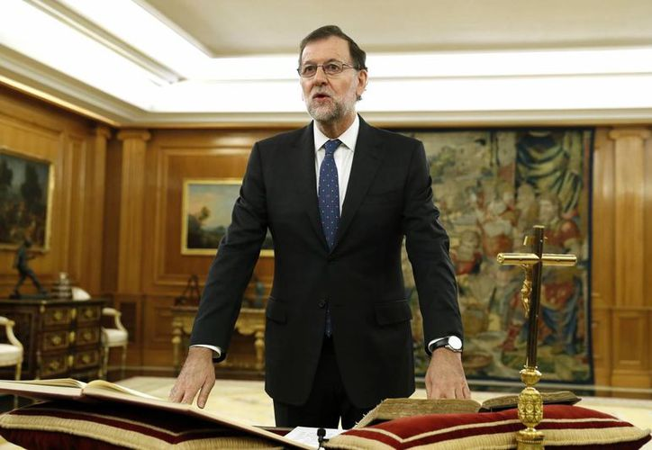 El reelegido presidente del Gobierno, Mariano Rajoy, juró ante el Rey, esta mañana en el Palacio de La Zarzuela. (EFE)