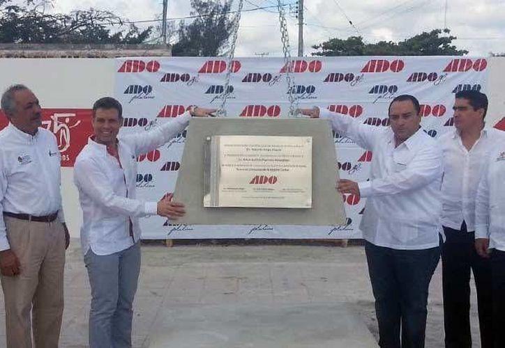 Hace unos días se puso la primera piedra de la terminal de autobuses ADO de Chetumal. (Cortesía)