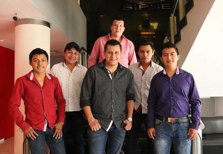 Con dos producciones y siete años de trayectoria, Estampida Musical ha sabido posicionarse en el en gusto del público del sureste mexicano. (José Acosta/SIPSE)