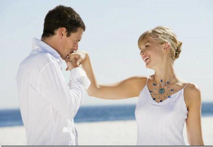 Si él te muestra su cariño y ternura es probable que sea un caballero. (Contexto/Internet)