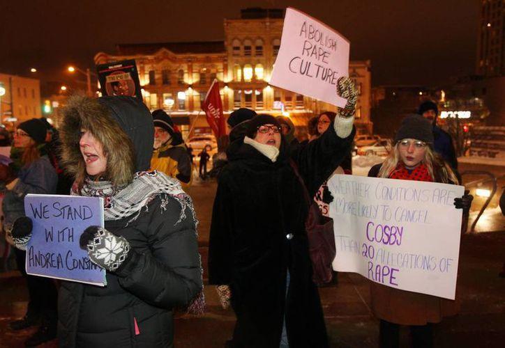 Una minoría protestó durante un show de Bill Cosby en Canadá. El comediante está acusado de abuso sexual pero ha hecho varias presentaciones dentro y fuera de EU. (Foto: AP)