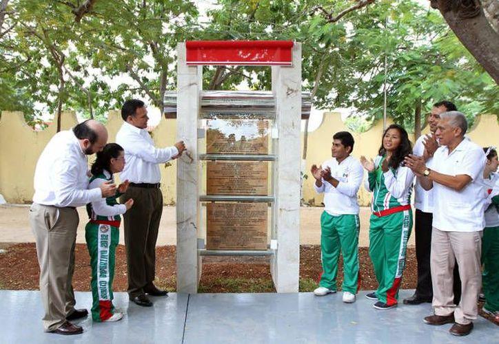 Rolando Zapata ofreció apoyar el deporte en el interior del estado. (SIPSE)