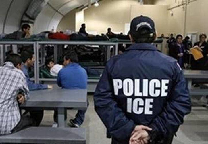 """Una vocera del ICE dijo que los inmigrantes son separados por """"razones disciplinarias"""". (www.laprensa.hn/Archivo)"""