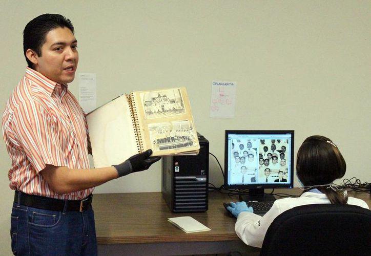 Los trabajos de conservación y prevención se aplican a miles de documentos. (Milenio Novedades)