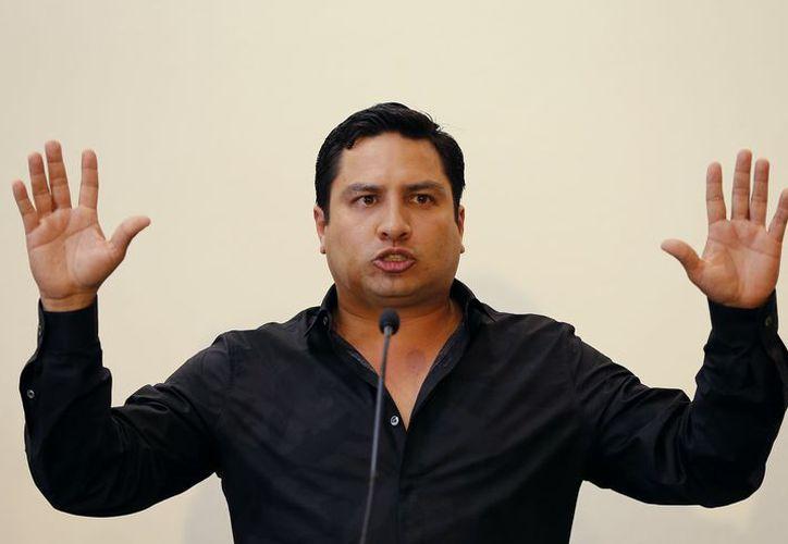 Julión declaró que le duele dejar de informar a sus seguidores a través de su Facebook e Instagram. (Foto: Televisa News)