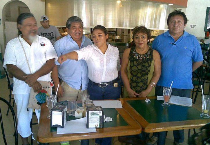 Conferencia de prensa de indígenas en el municipio de Solidaridad. (Loana Segovia/SIPSE)